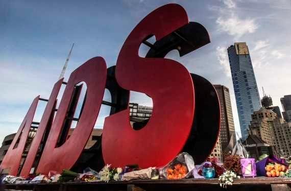 Conferência sobre Aids em Melbourne homenageia vítimas de avião derrubado na