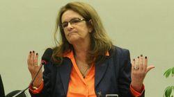 'Eu tenho vergonha, muita vergonha', diz Graça Foster sobre corrupção na