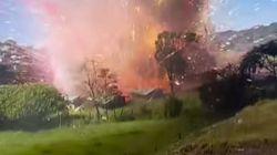 Veja o que acontece quando uma fábrica de fogos de artifício