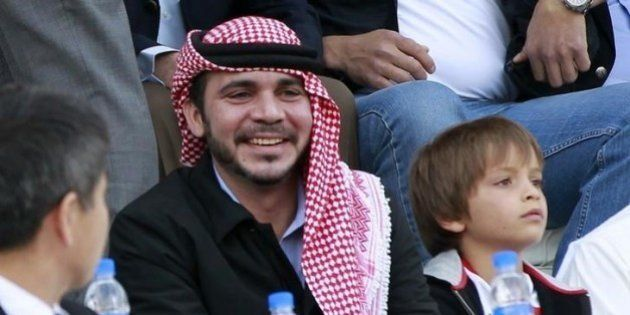 Príncipe da Jordânia anuncia que enfrentará Blatter na eleição da