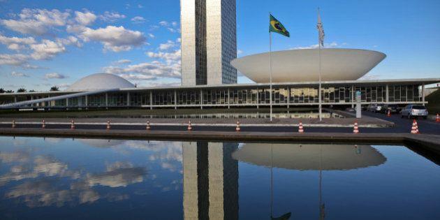 Dirigentes públicos na mira: é hora de rever o sistema brasileiro de cargos de