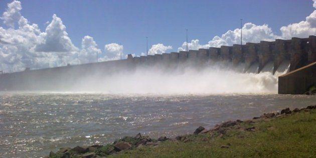 No Brasil, água é