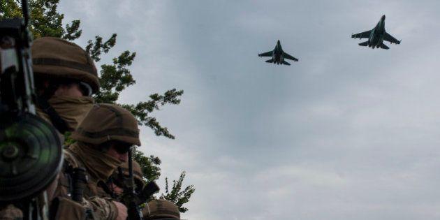 Rebeldes pró-Rússia derrubam dois caças ucranianos, diz governo em