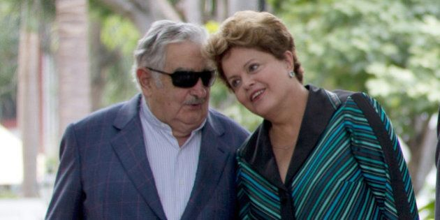Obama, Putin e líderes latino-americanos cumprimentam Dilma Rousseff pela