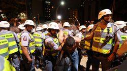 'Brasil, chega de bola fora!': ONG reforça campanha contra violência policial em