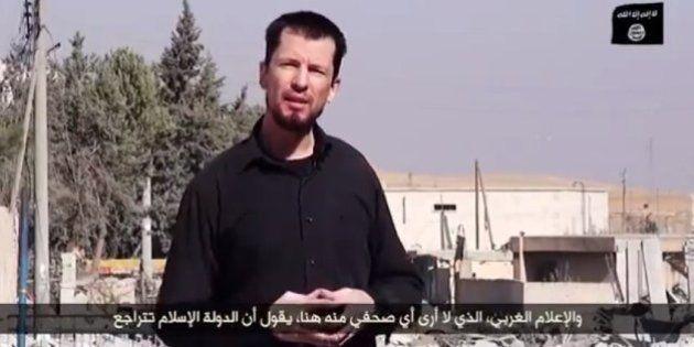 Estado Islâmico divulga novo vídeo com refém britânico; John Cantlie aparece como 'correspondente de