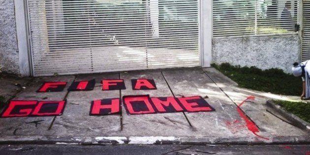 Copa 2014: Ronaldo é alvo de protesto em São