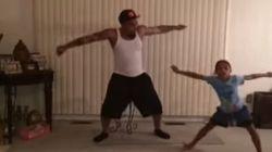 Menina convida o pai para dançar
