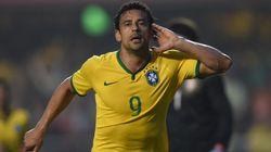 Amistoso Brasil x Sérvia: Fred salva Seleção do vexame