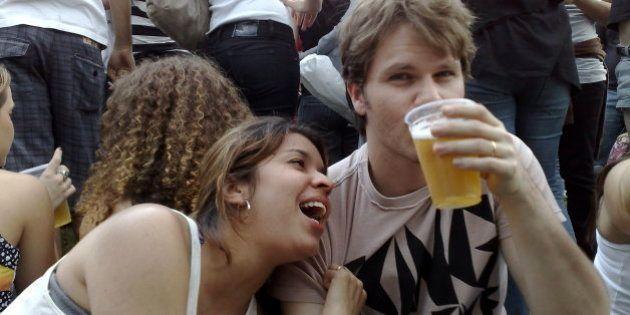 tomando a cerveja :)(beijos aos meus novos