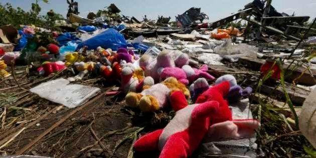 Caixa-preta revela que 'explosiva descompressão maciça' derrubou avião, diz fonte em