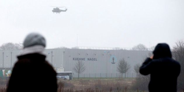 França mobiliza mais de 80 mil policiais em caçada aos suspeitos de atentado à revista Charlie