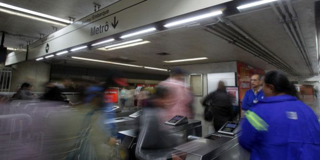 Com greve suspensa em São Paulo, metrô funciona normalmente nesta terça-feira (10) de