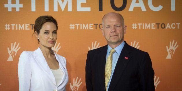 Angelina Jolie e William Hague fazem reunião mundial para acabar com o estupro em zonas de