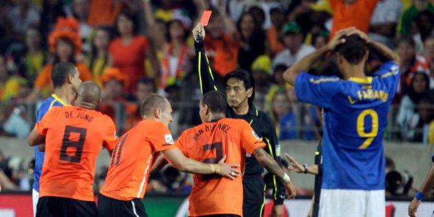 Copa 2014: árbitro da estreia da Seleção na Copa apitou Brasil e Holanda em