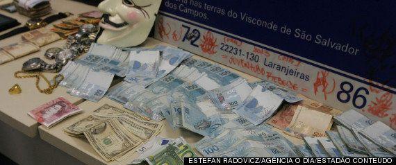 Polícia prende jovens de classe média alta acusados de tráfico de drogas e suspeitos de fazer 'justiça'...
