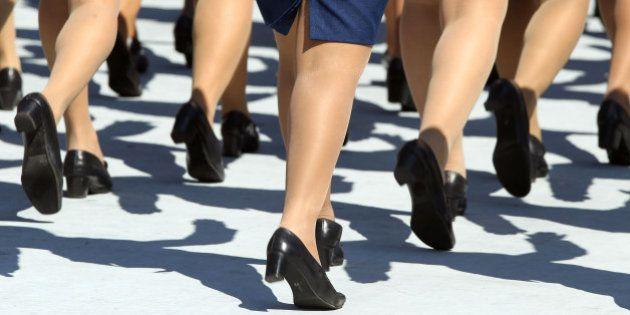 Quase 60% das policiais acreditam que comportamento da mulher incentiva o