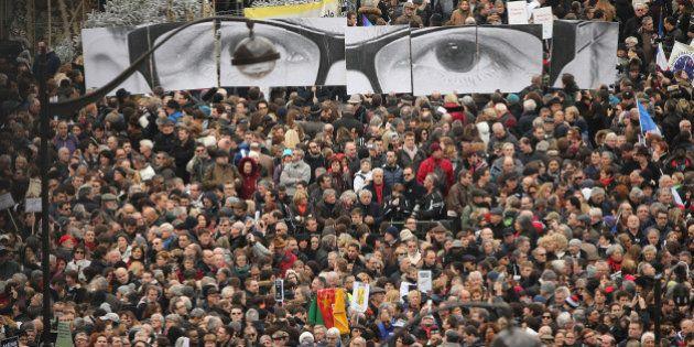 Paris vai às ruas: a homenagem às vítimas dos ataques à Charlie Hebdo em imagens