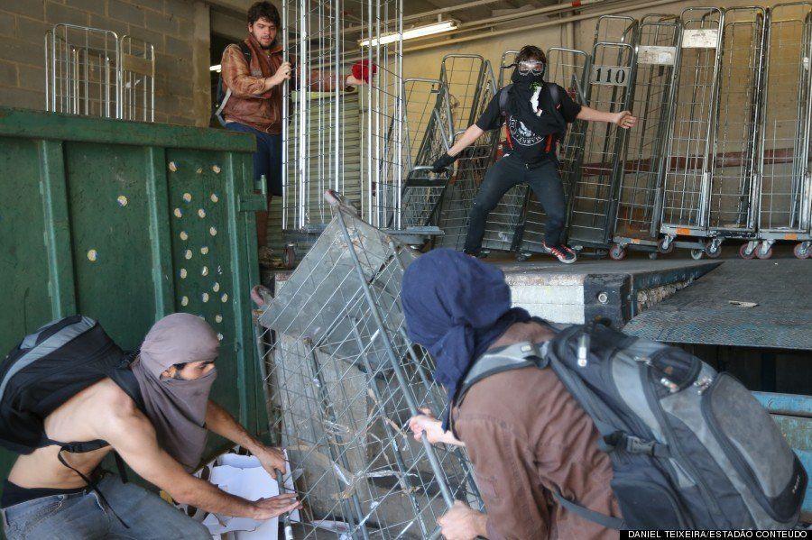 8 cenas de protestos e confrontos entre manifestantes e PMs antes da abertura da Copa
