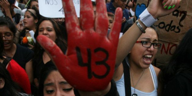Desaparecimento de 43 estudantes no México expõe polícia corrupta e autoridades coniventes com
