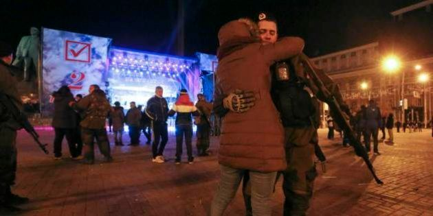 Rebeldes pró-Rússia votam em líderes separatistas no leste da