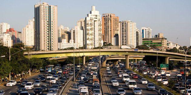 Conjunto de viadutos na região do Parque do Ibirapuera conhecido como Cebolinha, em São