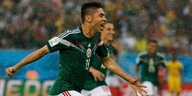 México x Camarões: vitória mexicana mesmo com três gols anulados e muita chuva em