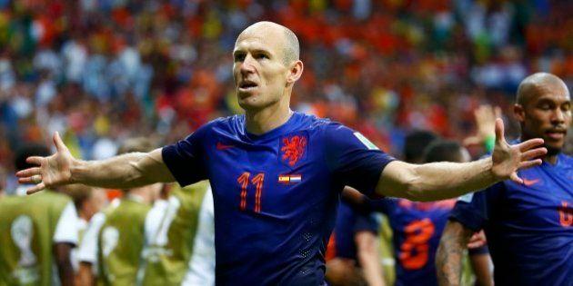 Copa 2014: na reedição da final da última Copa, Holanda massacra