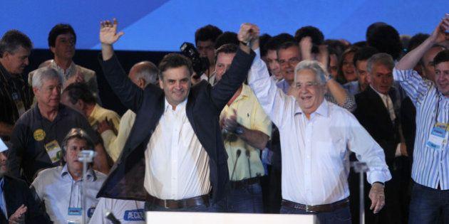 Eleições 2014: Aécio chega a convenção do PSDB de mãos dadas com FHC e já é candidato