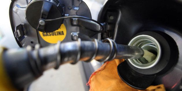 Governo federal libera Petrobras para reajustar combustíveis após quase um