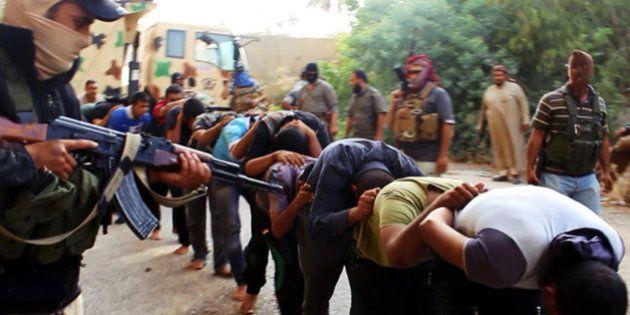 Iraque: militantes postam imagens de execuções de