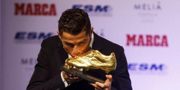 Cristiano Ronaldo recebe Chuteira de Ouro e projeta novas