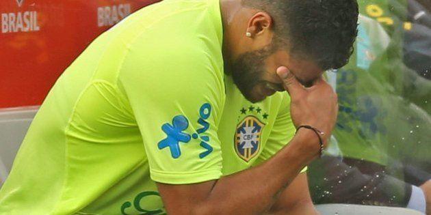 #nãovaiterbunda: Ramires substitui Hulk na segunda partida da Seleção Brasileira na Copa