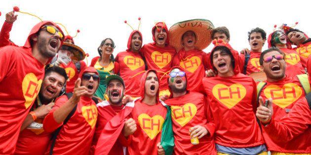 'Duelo' de torcidas entre Brasil e México: Chaves, Chapolin e muito verde e