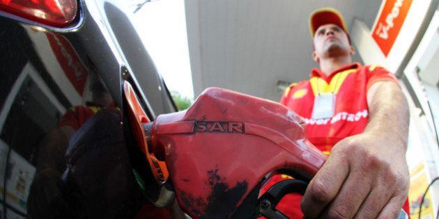 Petrobras anuncia aumento de 3% para a gasolina e 5% para o diesel a partir da 0h desta sexta-feira em...