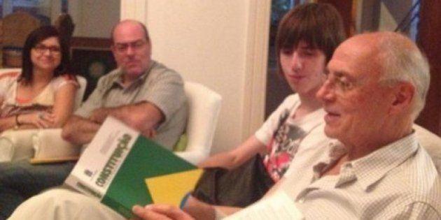 Black bloc arrependido tem aula com senador Eduardo Suplicy durante jogo da