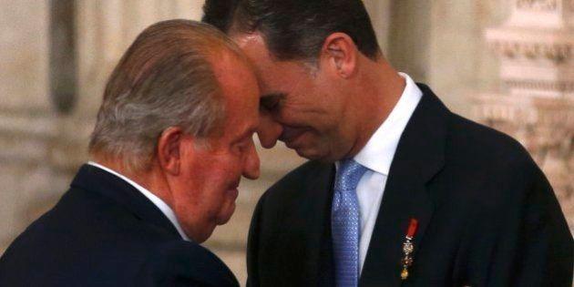Fim de uma era na Espanha: rei assina abdicação e cede trono ao