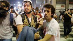 Policiais e manifestantes se enfrentam durante 2º Grande Ato Contra a