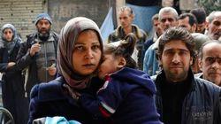 Civis são retirados de campo de refugiados tomado pelo Estado
