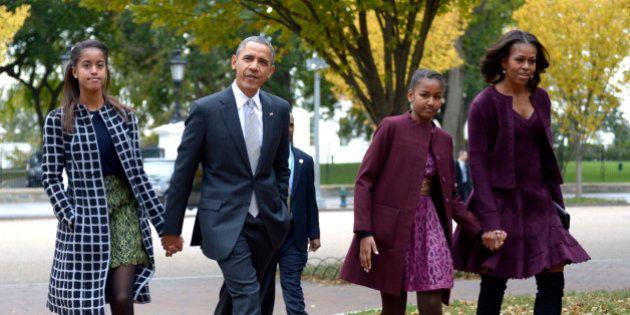 Casal Obama quer que as filhas experimentem ganhar salário