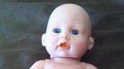 Esta boneca tem um pênis e está deixando todo mundo