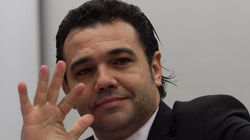 Marco Feliciano é ameaçado por Twitter e acusa PT de derrubar o site