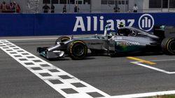 Mesmo largando na pole, Massa fica em 4º e vê Rosberg vencer