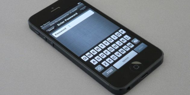 GIF revela como é a montagem de um iPhone 5s da Apple