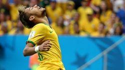 Ufa! No jogo 100 do Brasil, (quase) tudo foi