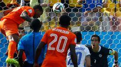 Holanda faz dois no Chile, que deve ser adversário do Brasil nas