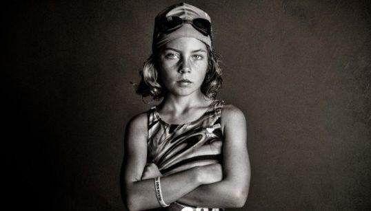 Fotógrafa desafia padrões tradicionais de beleza femininos em ensaio 'sem