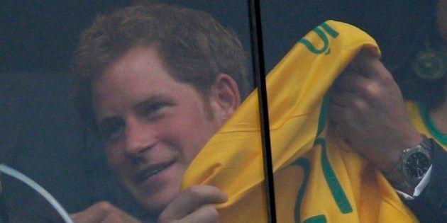 Príncipe Harry demonstra torcida para Seleção Brasileira no Mané