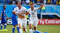 Uruguai despacha Itália e mantém vivo sonho de repetir
