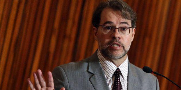 Lei da Ficha Limpa pode impedir candidatura de mais de 6 mil nas eleições de